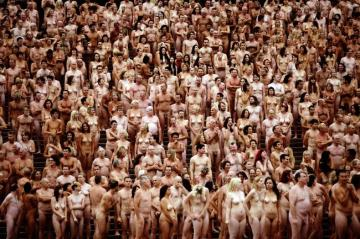 616246-spencer-tunick
